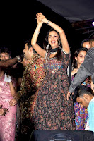 Mallika Sherawat plays dandiya to promote 'Hisss'