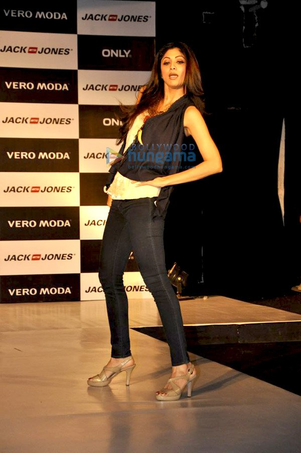 how to get franchise of vero moda