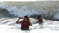 Dhoni, Sakshi Goa Beach Photos