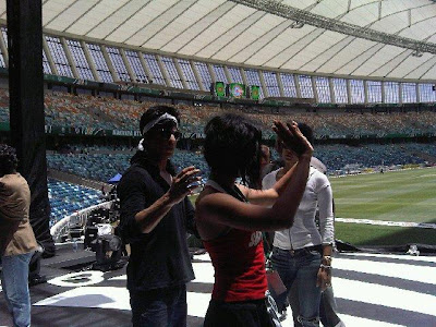 Priyanka Chopra,Shahrukh Khan and Shahid Kapoor Rehearsing at the Durban Moses Mabhida stadium