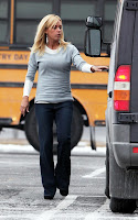 Kate Gosselin on bus duty in Reading