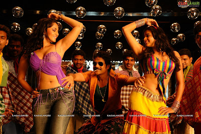 Anushka...Hot Stills From Her Latest Movie