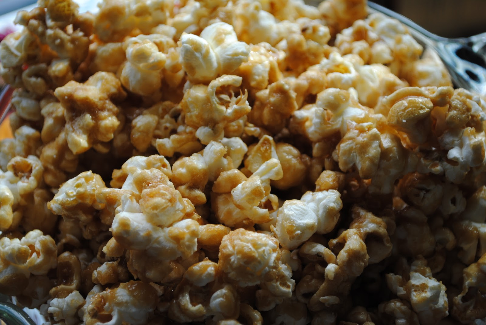 Old Fashioned Caramel Popcorn Recipe
