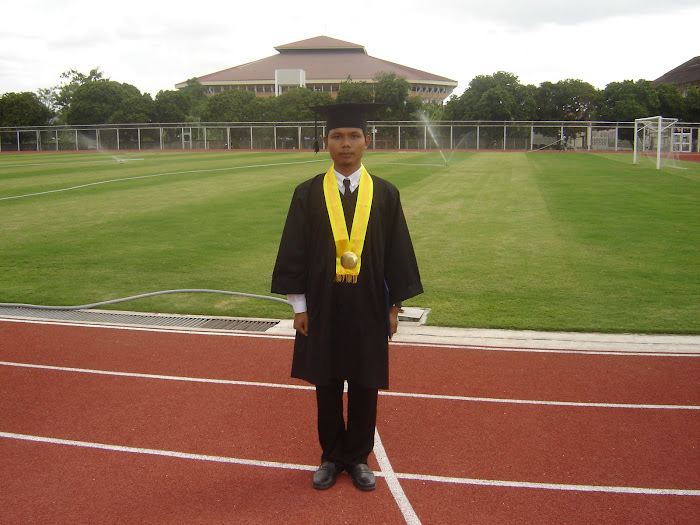 Wisuda Wilian Dalton di lapangan FIK UNY