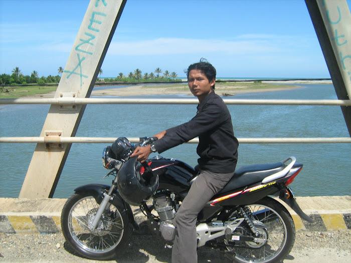 Wilian Dalton dalam perjalanan Bengkulu-Air Sulau