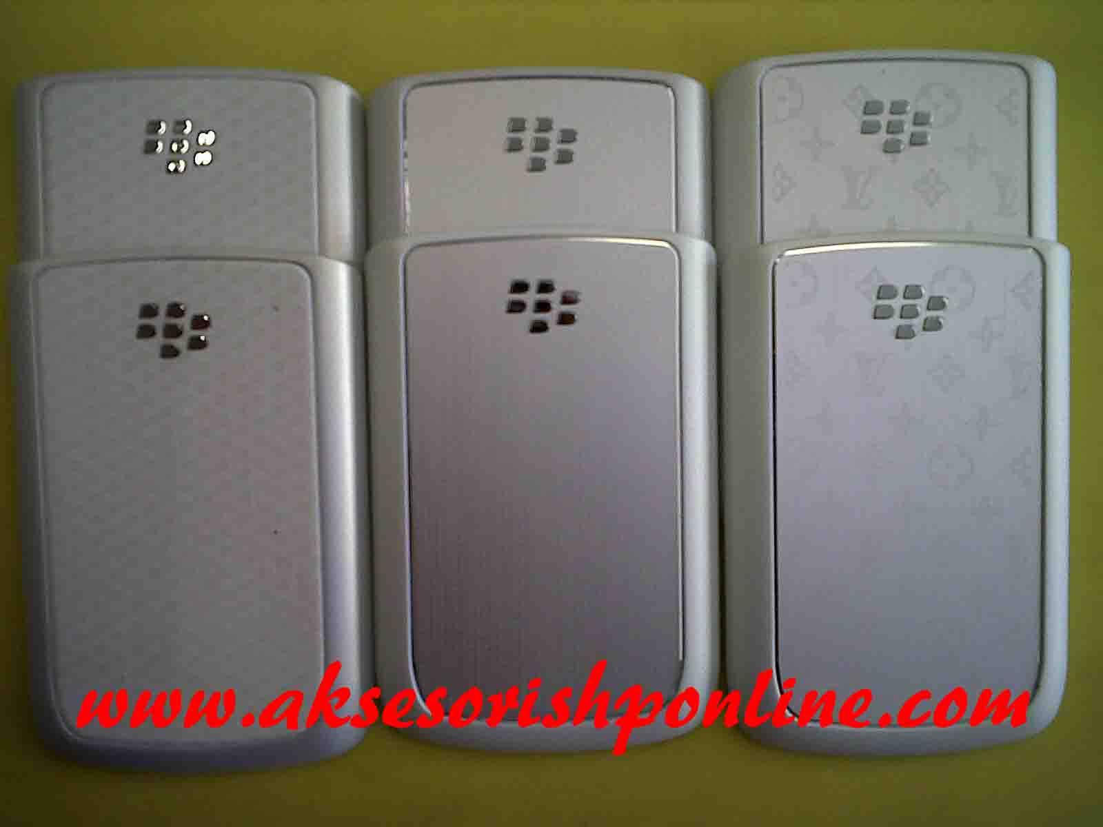 BACKDOOR ORIGINAL BLACKBERRY ONYX 9700 - BLACK & WHITE
