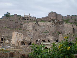 cold stones and hot zones hyderabad a photo essay the golconda fort walls and ruins