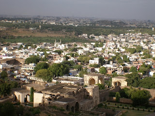 essay my city hyderabad Two months before,i have visited hyderabad cityit is wonderful and awesome experience and we cant able to forget our life time my favourite place in hyderabad was golconda port.