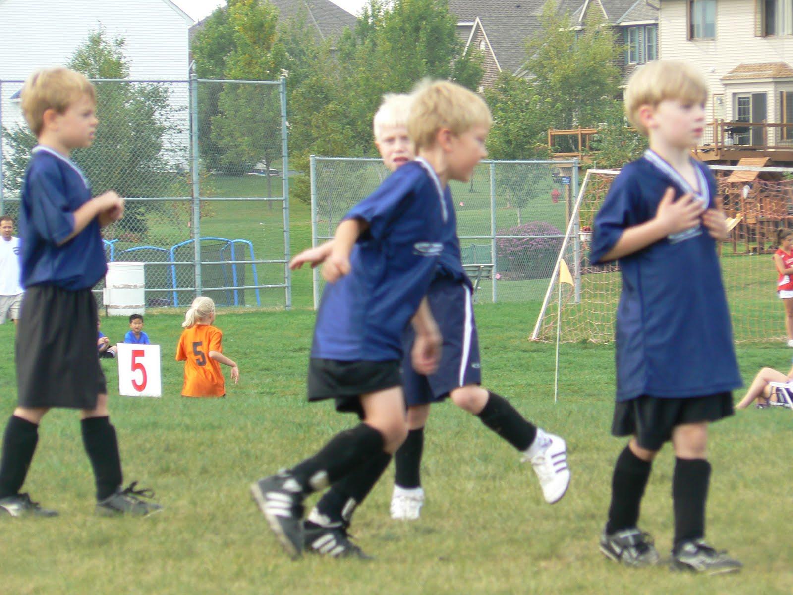 [Josiah+Owen+soccer+007.jpg]