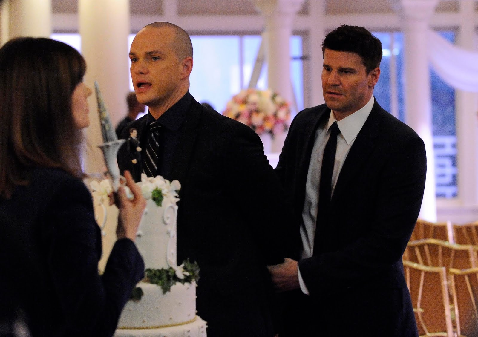 bones brennan and booth dating In the tv show bones, when do dr brennan and agent booth start dating also, when do in the tv show bones, why is brennan partners with booth.