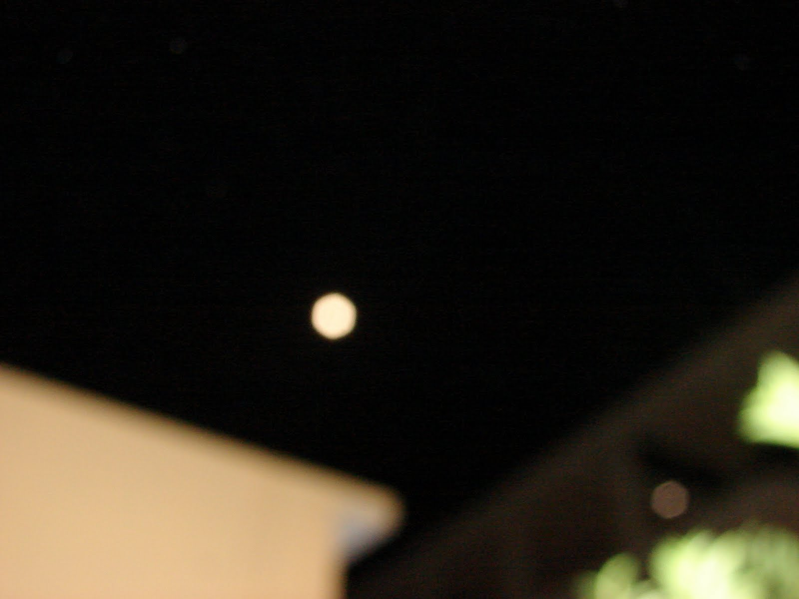 Ultimos Avistamientos Luna Hexagono 31/enero/2010 y Ovni Hexagonal Alineados Espectacular
