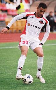 José Negreiros, ex-Flamengo, camisa 99 do FK Suduva, da Lituânia