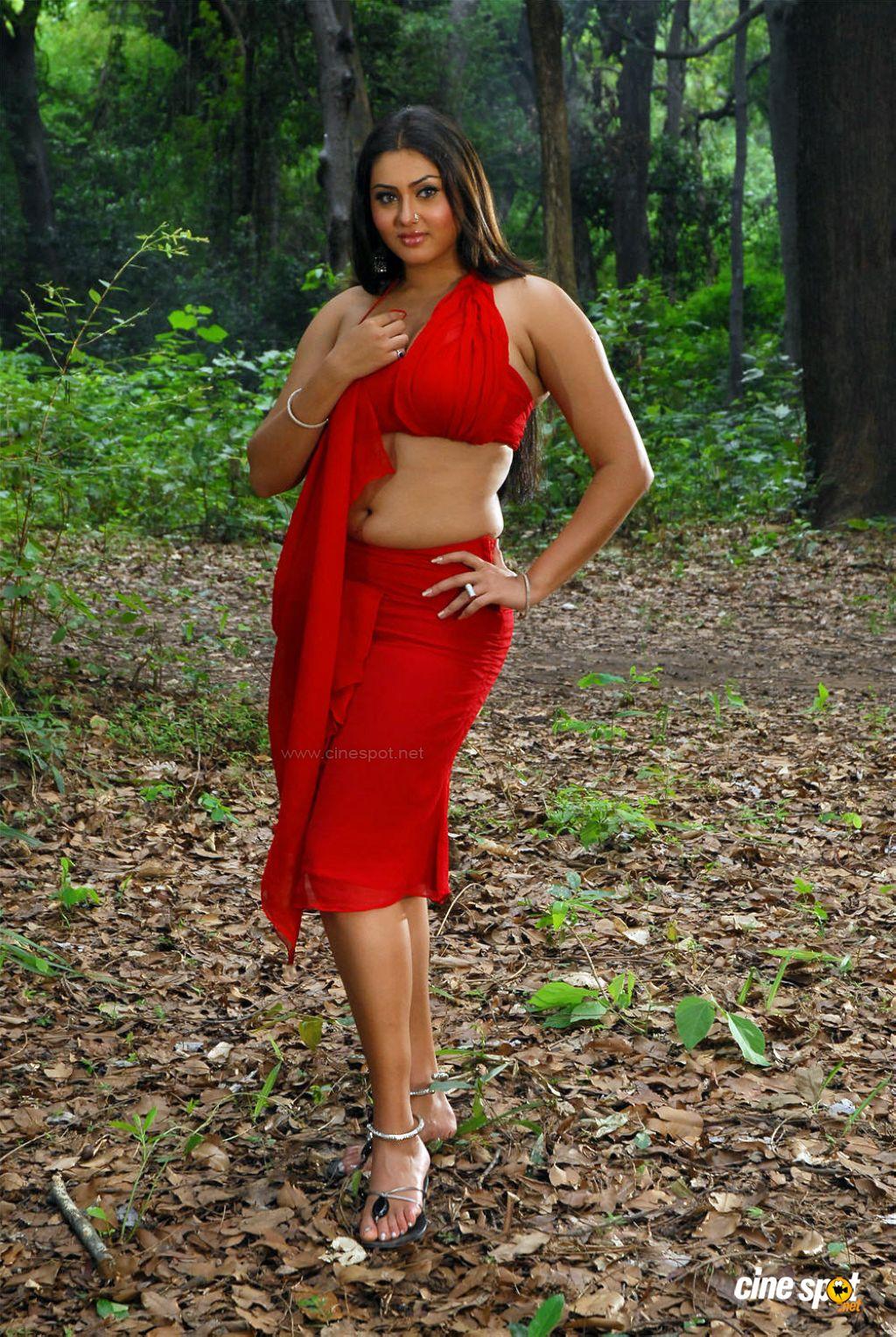 Actress Namitha Hot images: Unseen - 379.9KB