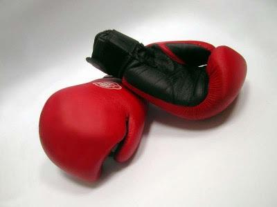 бокс, боксёрские перчатки
