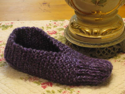 Golden Bird Knits Slippers Knitting Pattern