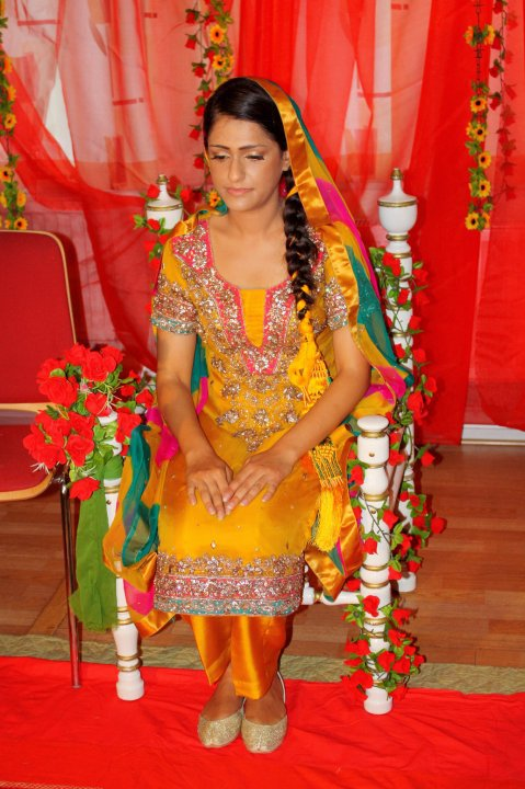 Mehndi Menswear : A dulhan s dream mehndi suits