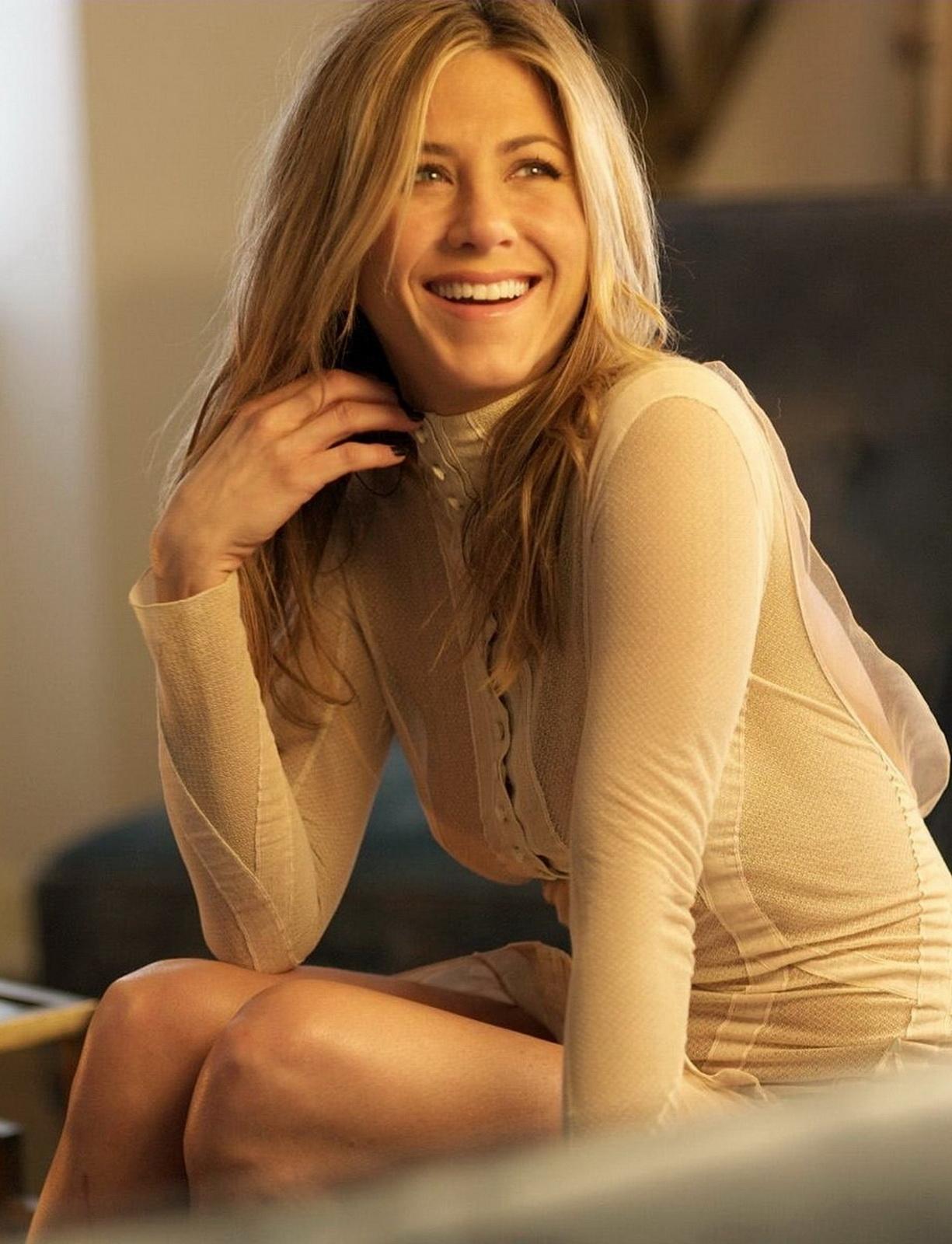 Memek Plus: Jennifer Aniston sexy see through dress nipple ...