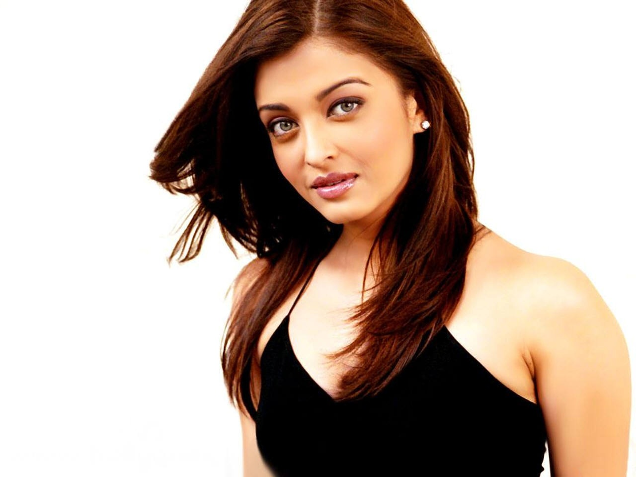 Aishwarya Rai Latest Romance Hairstyles, Long Hairstyle 2013, Hairstyle 2013, New Long Hairstyle 2013, Celebrity Long Romance Hairstyles 2165