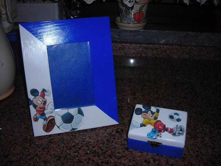 moldura e caixa de madeira
