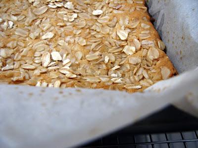 Vicarious Foodie: Chewy Oatmeal Blondies