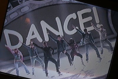 Ban Comic Sans national tv american idol group dance