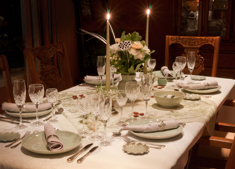 Hilltop house the colour of hope is light green - New year dinner table setting ...