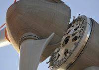 Gigante turbina de molino para energía eolica