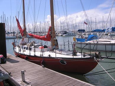Manfred Marktel nel 2009 su JOSHUA - la barca di Moitessier.