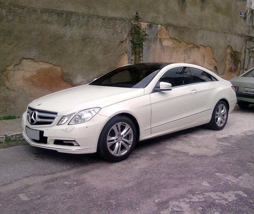 Mercedes Benz E350 Coupé. Esta Bela Mercedes Tem Um Motor 3.5 V6 De 272 Cv  A 6.000 Rpm. Com Este Teto Preto, O Coupé Fica Com Um Chame A Mais.