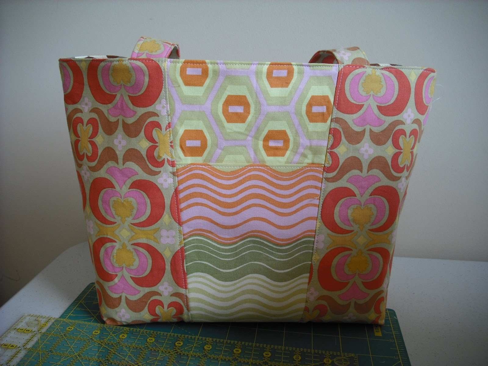 Bags, Purses and Totes Quilt Patterns - QuiltBug Quilt Shop