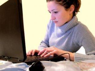[browsing_laptop_marinela_238168_l.jpg]