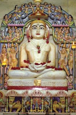 buddha mahavira Mahavir and buddha were contemporaries and brought 2 great religions into this world a short comparison of mahavir and buddha by  mahavira like buddha believed.
