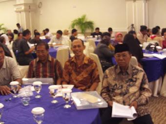 Etnik Flores, Bali & Bugis