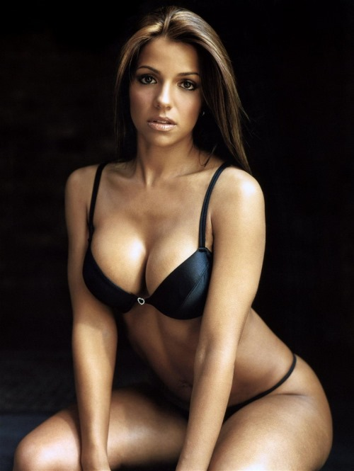 Vida Guerra Hot Bikini Photos