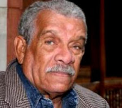 Derek Walcott wins British prize