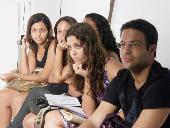 A turma prestando atenção na aula!