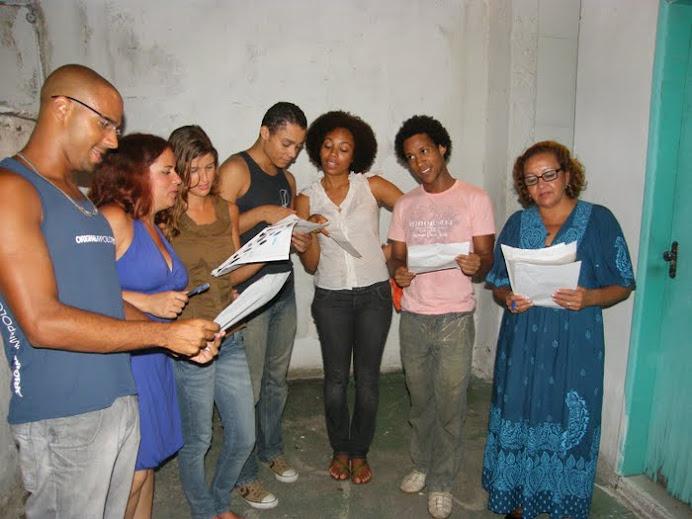 GRUPO DE ATORES ENSAIANDO PARA TESTES PARA OUTRA NOVELA DA GLOBO,HELENA.