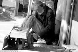 ΕΛΛΑΔΑ 2010:ΝΕΟΠΤΩΧΟΙ ΚΑΙ ΑΣΤΕΓΟΙ ΠΗΓΑΙΝΟΥΝ ΣΤΑ ΝΟΣΟΚΟΜΕΙΑ...ΓΙΑ ΝΑ ΕΧΟΥΝ ΤΡΟΦΗ ΚΑΙ ΣΤΕΓΗ