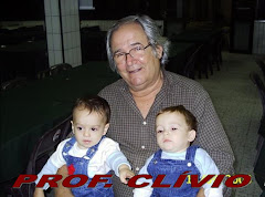 Professor Clívio e os netos Felipe e Artur