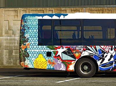 graffiti bus, art street