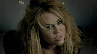 http://2.bp.blogspot.com/_JzQNdWmweVc/TNRBuJO_kNI/AAAAAAAACbI/C3DODnMsKtU/s1600/Miley+Cyrus+-+Who+Owns+My+Heart+(HD).mp4_snapshot_01.53_%5B2010.11.05_11.50.10%5D.jpg
