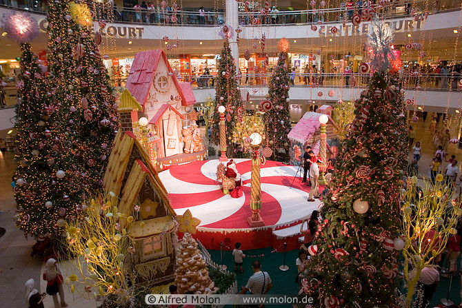 the sales were already in high gear as well plenty of buy 1 get 1 50 off type enticements to get people to spend early and often the mall was very - Mall Of America Christmas Decorations