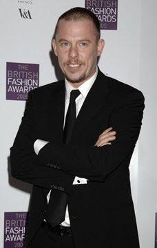 Стилът Alexander McQueen - избрано от колекциите пролет-лято на Александър МакКуин за последните 10 години