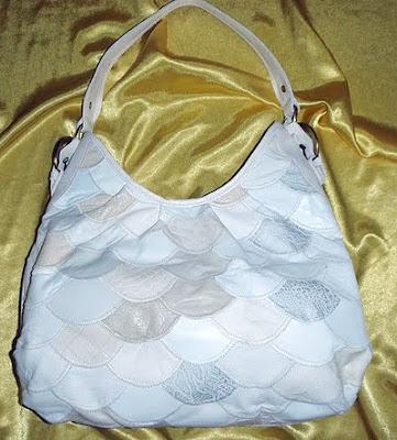 бяла чанта пачуърк