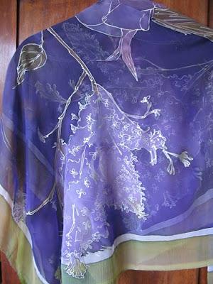 шал от ръчно рисувана коприна