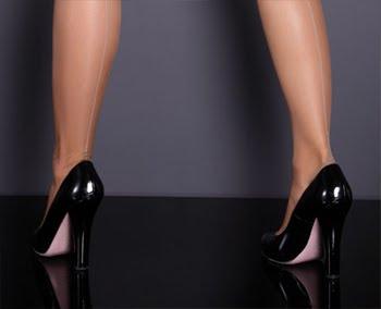 секси високи обувки