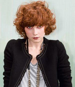 червена къдрава коса
