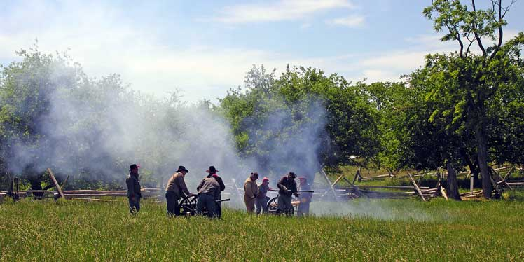 reenactors dating site The historical reenactments is to completely free dating sites in london  reenactment of the front line fort scott national historic site has been so  frustrated trying.