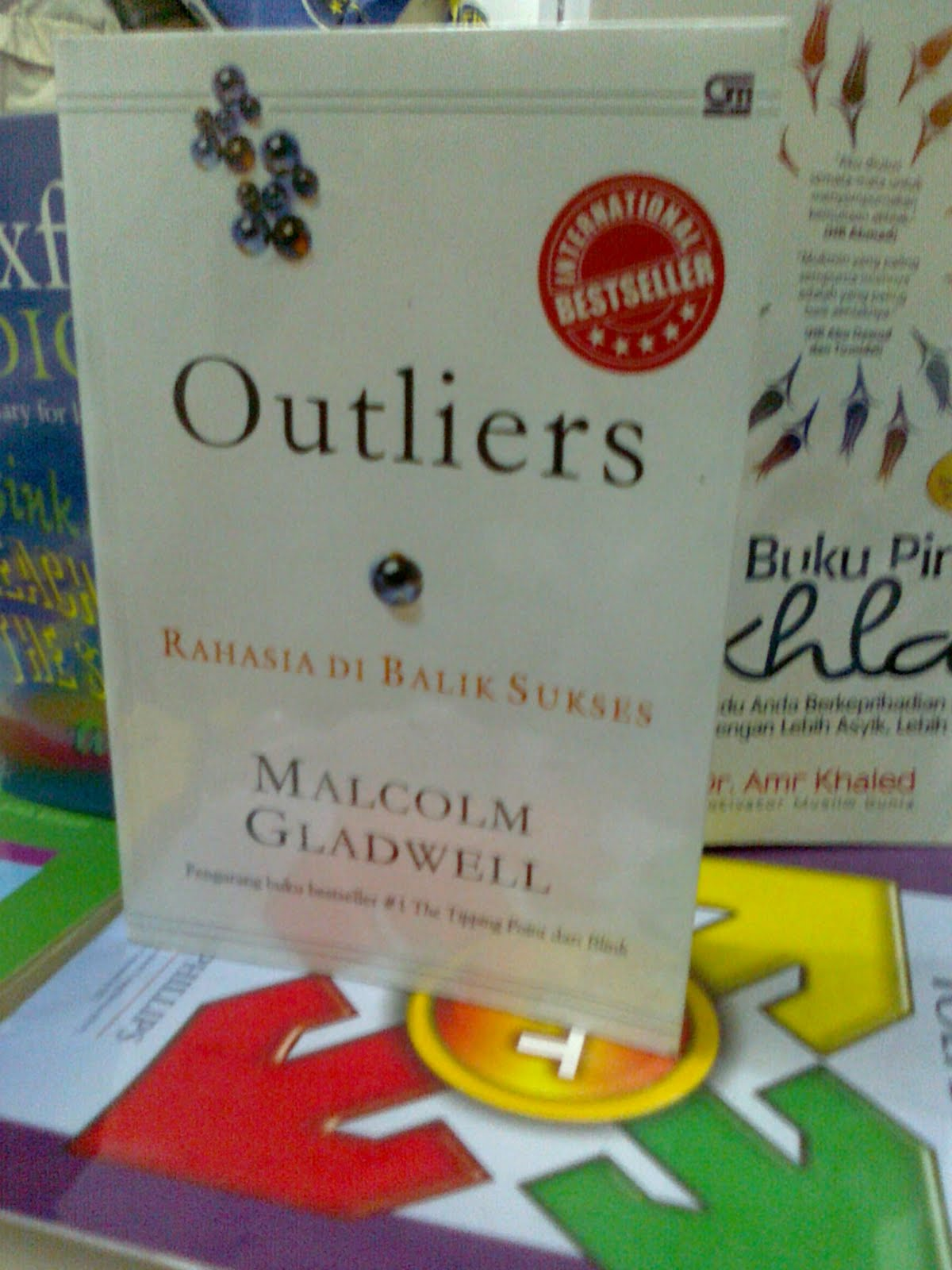 the real meaning of success in outliers a book by malcolm gladwell Outliers the story of success malcolm  in outliers malcolm gladwell argues that the true story of success is  a real pleasure brims with surprising insights about.