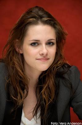 K 11 Kristen Stewart Qué se siente estar en este remolino de Crepúsculo, rodeada de ...